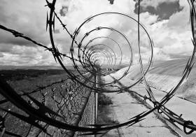 Οι πρόσφυγες και οι μετανάστες στα σύνορα του καπιταλιστικού διαχωρισμού